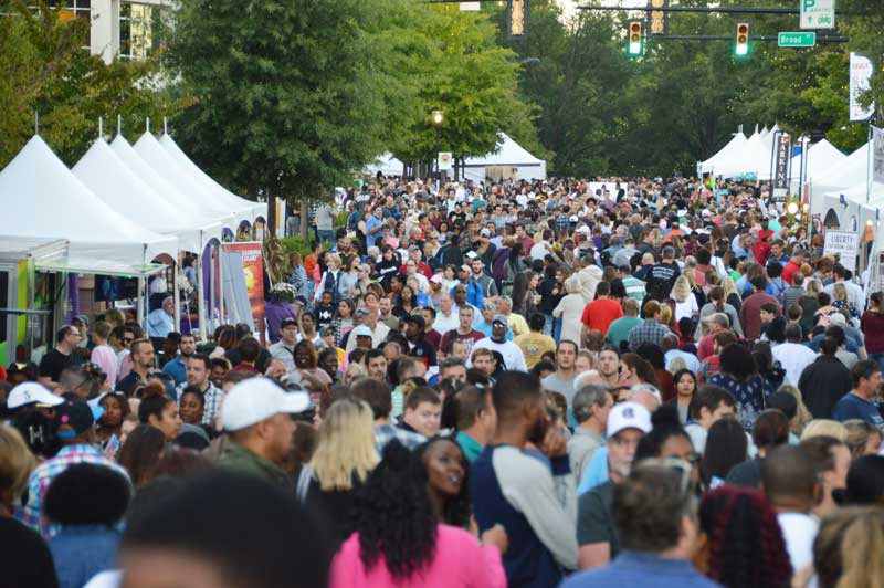This past weekend was the annual Fall for Greenville.  Lots of people, lots of food, lots of people, lots of fun...