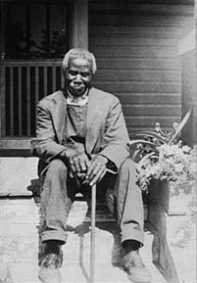"John Beckwith, 83, of Cary, NC, former slave, in 1937. ""I reckon dat I wuz 'bout nine years old at de surrender…I wuz happy den as I thinks back of it, until dem Yankees come."""